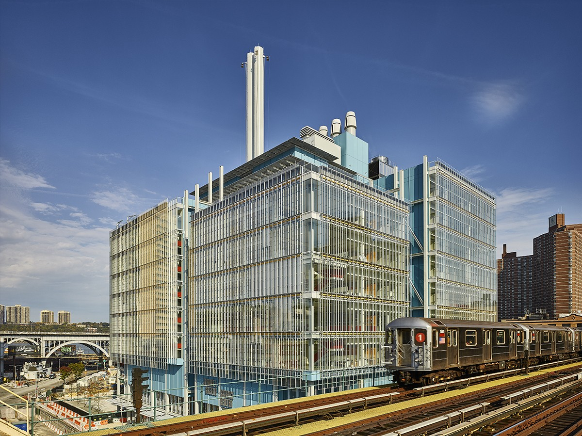 The Jerome L. Greene Science Center, looking northwest. Both the Jerome L. Greene Science Center and Lenfest Center for the Arts have been awarded LEED Gold certifications for new construction. (Photo: (c) Columbia University/Frank Oudeman)