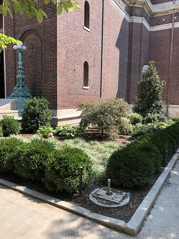 Landscaping to the south of the St. Paul's Chapel entrance